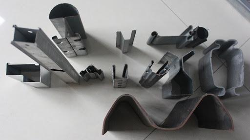 نمونه قطعه های زده شده با دستگاه های رول فرم و رول فرمینگ مقاطع خاص